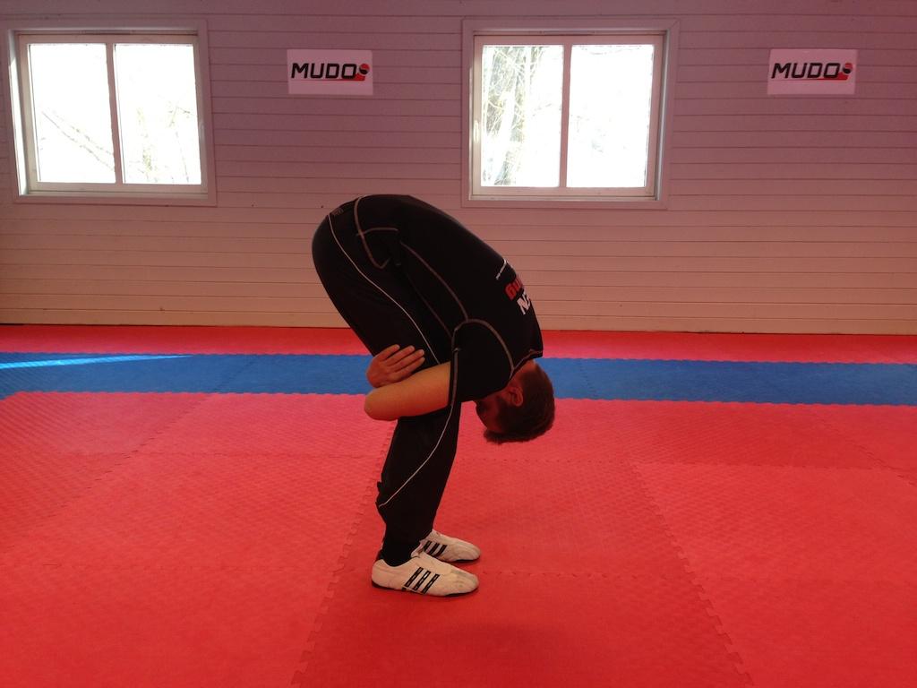 Stretche bakside lår når som helst hvor som helst på 20sekunder!